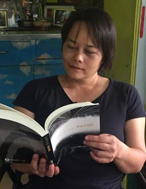 Sarah_Vertical_Reading